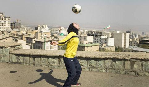فوتبال زنان ۰۱۱